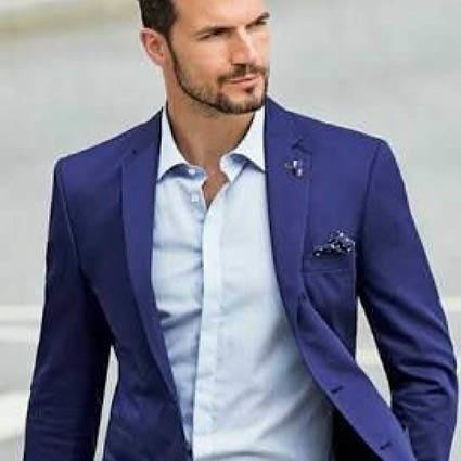 Casual-Chique-trouwpak-blauw-man-Suits-at-Sea-Trouwpakken-Trouwpak-Experience-ManCave