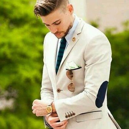Beige-camel-trouwpak-casual-BoHo-Suits-at-Sea-Trouwpakken-Trouwpak-Experience-ManCave